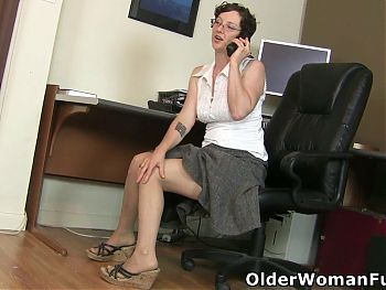 Hairy mature Valentine craves a strong orgasm